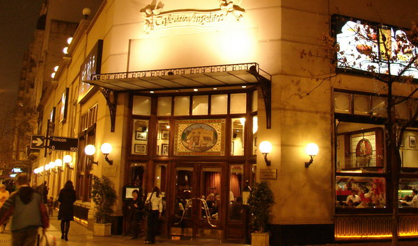 Cafe de los Angelitos Buenos Aires casa de Tango tradicional con show