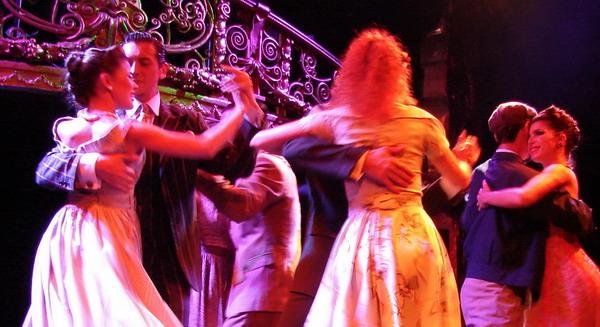 Esquina Carlos Gardel Cena Show cuerpo de baile