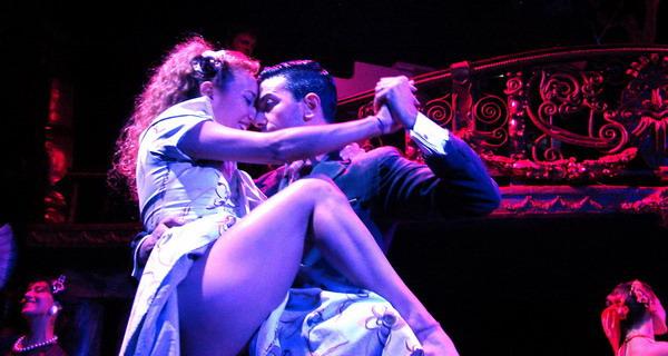 Esquina Carlos Gardel Cena Show sensualidad y pasion