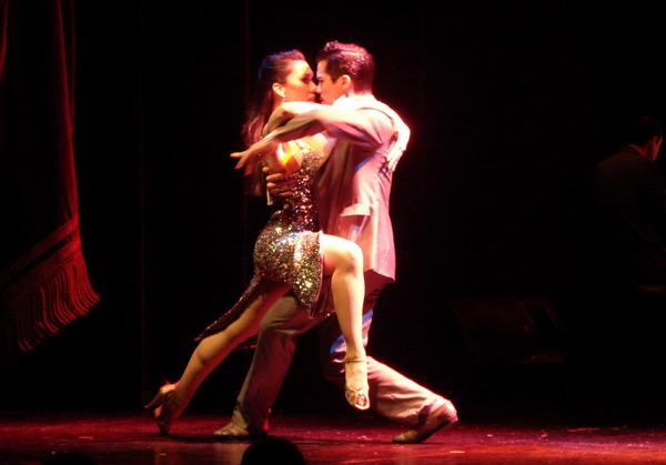 Piazzolla show de Tango pareja de tango