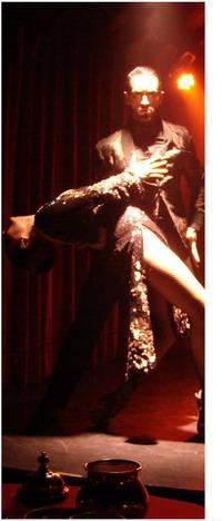 Año Nuevo en Rojo Tango del Hotel Faena pose sensual de tango