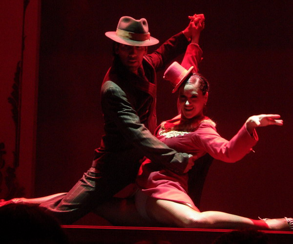 Cafe de los Angelitos Tango show Buenos Aires dancers