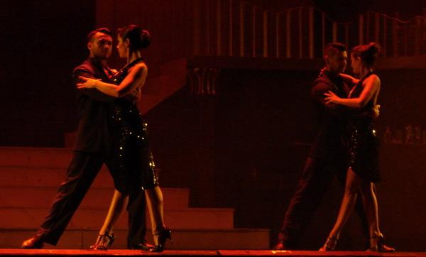 Tango Portenho Show de Tango em Buenos Aires casal de Tango estilo tradicional